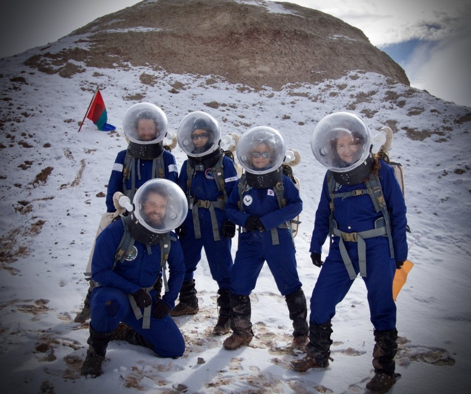 Crew-173-on-a-snowy-day-at-MDRS-Credit-Niamh-Shaw Niamh Shaw, elon musk, nasa, spacex, engineering, richard branson, communication, stem, astronaut, niamh, scientist, artist, perform, esa, polymath, broadcast, blue origin, virgin galactic, niamh shaw, space exploration, norah patten, zero g, irish astronaut, science communication, women in stem, roscosmos, female astronauts, jaxa, baikonur, irish engineering, ireland's first astronaut, multi disciplined, stem advocate, female space explorer, irelands first female astronaut, irelands first person in space, irish female activist, irish female polymath, irish female role model, irish female trailblazer, irish role models, irish space explorer, performer & communicator & space explorer, space advocate, stem communicator