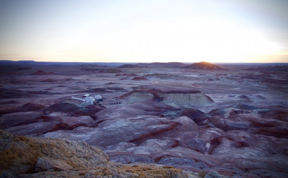 sunrise-over-mdrs-on-crew-173-last-morning-credit-niamh-shaw